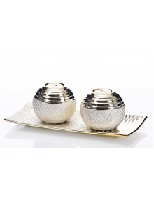 The Grange Collection Plate & Set of 2 Balls
